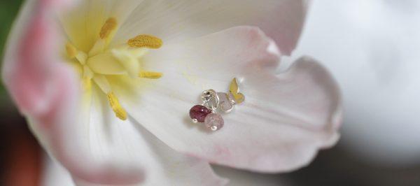 Wunscharmband mit Schmetterling Charm und Spinell aus Naturseide und 925 Silber